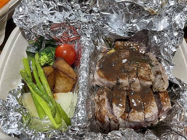 外帶美食:夏慕尼新香榭鐵板燒  菲力牛排