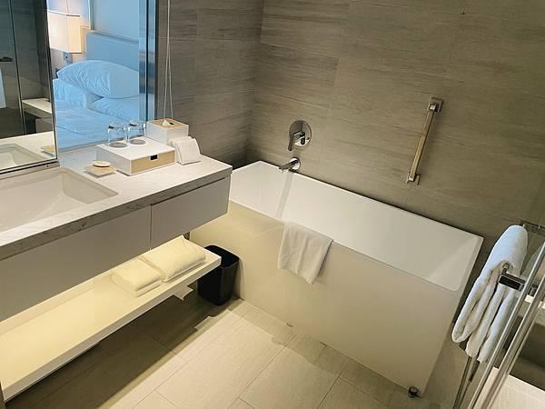 台北飯店:國泰萬怡浴缸