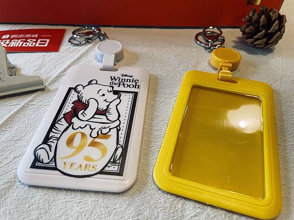 小熊維尼95週年系列:證件套兩款