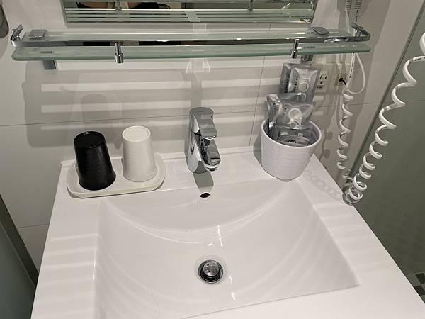 台北車站住宿新驛旅店洗手台