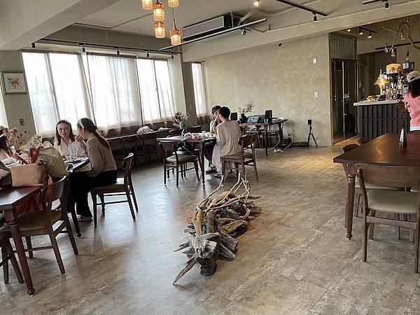 大稻埕咖啡廳:沙丘 座位