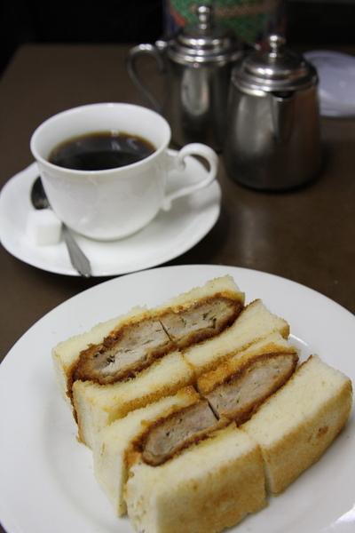 千里軒豬排三明治.JPG