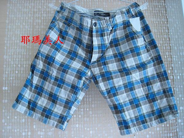 H&M夏日格紋五分短褲1 1380元 795760.JPG