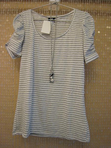 HM 橫條公主袖T恤 84900.JPG