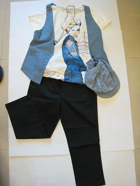 Uniqlo 黑格紋七分褲 71478.JPG