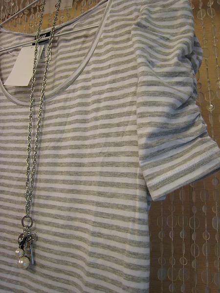 HM 橫條公主袖T恤 84900 -1.JPG