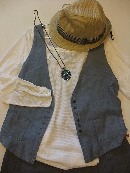 ZARA 白色七分橫條罩衫 1165-3.JPG