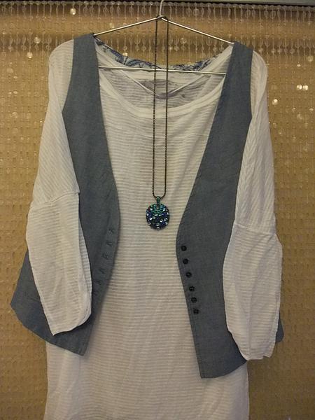 ZARA 白色七分橫條罩衫 1165 .JPG