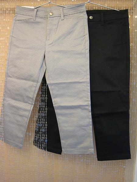 Uniqlo 黑格紋七分褲 71478 71416.JPG