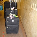 三人的大中小行李箱