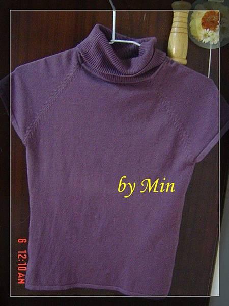 紫色高領短袖毛衣