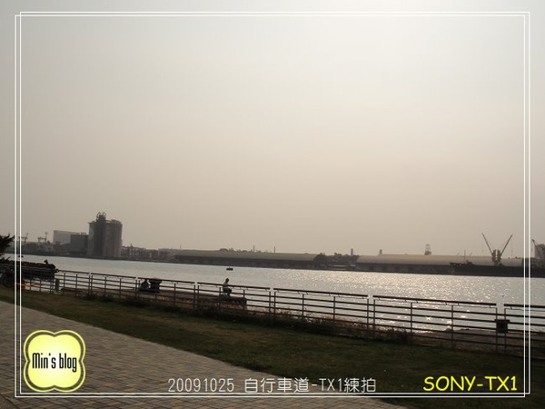 DSC00031 SONY-TX1練習 20091024.JPG