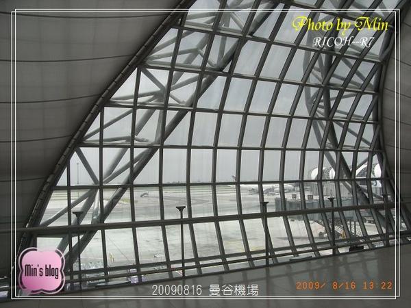 R0017374 曼谷機場.JPG