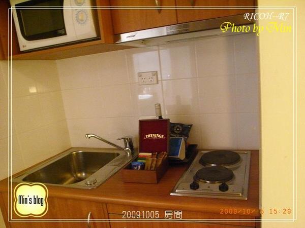R0019539 房間.JPG