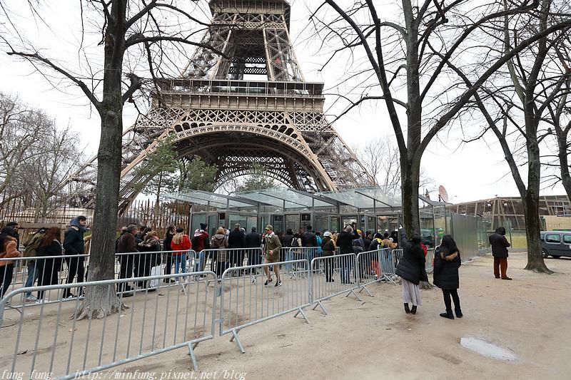 Paris_1901_1214.jpg