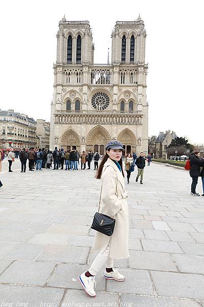 Paris_1901_1365.jpg