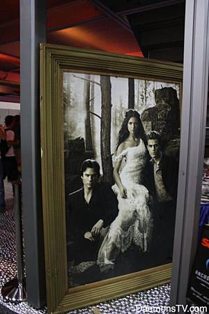 daemons-tv-comic-con-2011-floor-photo-20-550x825.jpg