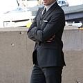 matt-bomer-hug-white-collar-set-08242011-06-430x689.jpg
