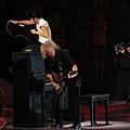 lady-gaga-2011-mtv-vmas-video-music-awards-08282011-03-430x357.jpg