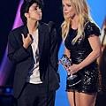 lady-gaga-2011-mtv-vmas-video-music-awards-08282011-16-430x562.jpg