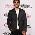 candies-2011-vmas-after-party-08282011-31-430x600.jpg