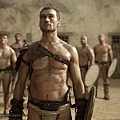 andy-whitfield-spartacus-09122011-02-430x286.jpg