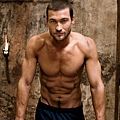 andy-whitfield-spartacus-09122011-04-430x418.jpg