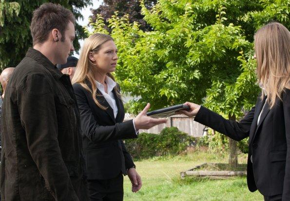 Fringe S04E02 (6).jpg
