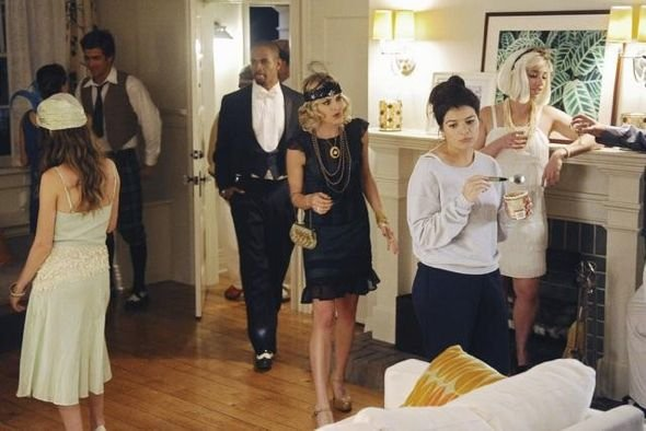 Happy Endings S02E01 (12).jpg