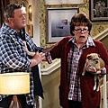 MIKE & MOLLY  S02E02 (3).jpg