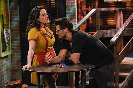 2 BROKE GIRLS S01E04 (5).jpg