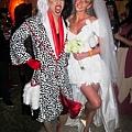adam-levine-halloween-party-11022011-02-430x645.jpg