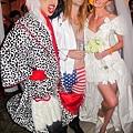 adam-levine-halloween-party-11022011-03-430x645.jpg