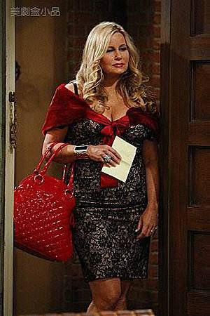 2 BROKE GIRLS 1x14 (1).jpg