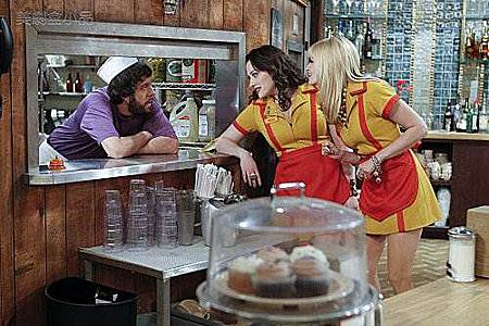 2 BROKE GIRLS 1x14 (3).jpg