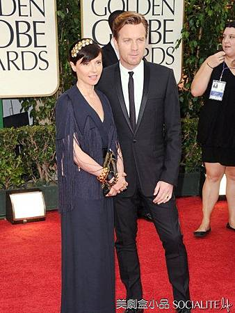 2012-golden-globes-men-red-carpet-01162012-05-435x580.jpg