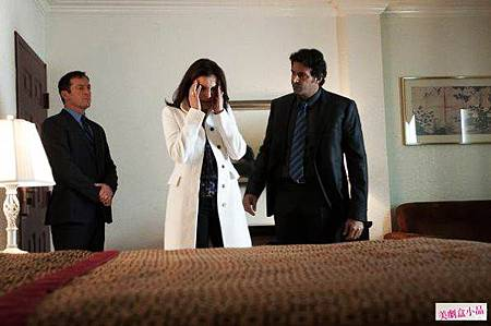 Awake 1x8 (1)