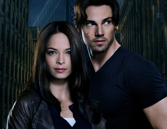 Kristen-Kreuk-and-Jay-Ryan-of-The-CWs-Beauty-and-the-Beast_gallery_primary