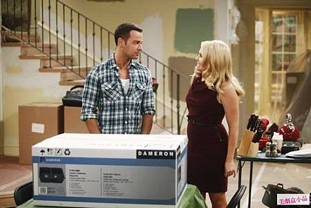 Melissa and Joey 2x1 (1)