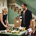 Melissa and Joey 2x2 (9)