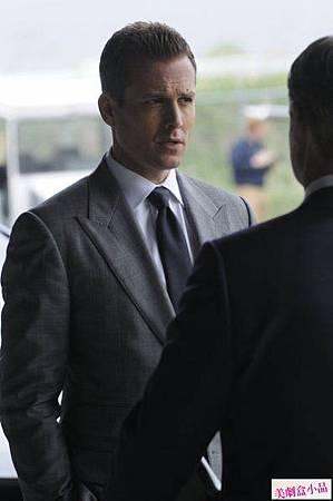 suits2x4 (2)