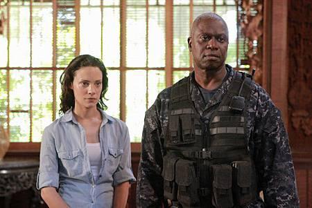 Last Resort 1x3 (1)