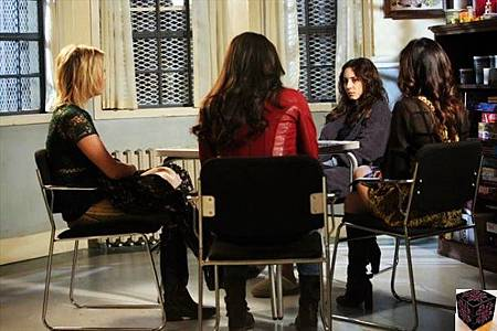 Pretty Little Liars 3x23 (1)