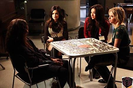 Pretty Little Liars 3x23 (3)