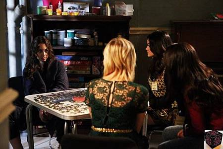 Pretty Little Liars 3x23 (2)