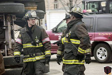 Chicago Fire 1x21 (1)