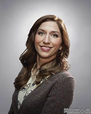 Gina Linetti(Chelsea Peretti)