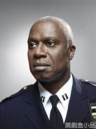 Ray Holt(Andre Braugher)