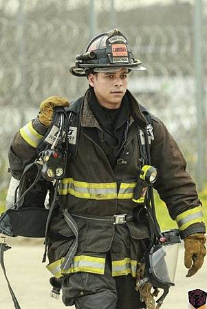 Chicago Fire 1x24 (1)