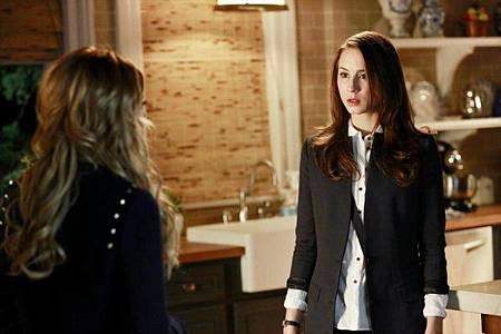Pretty Little Liars 4x4 (1).jpg